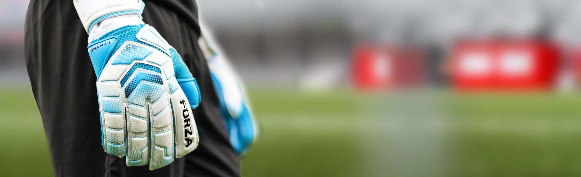 sells goalkeeper gloves size guide